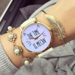 R2253-reloj-blanco-extensible-de-pile-sintetica-the-time-is-meow.jpg