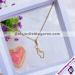 A2274 Set de collar y aretes silueta de mano y corazon dorado Acero inoxidable bisuteria fabricante mayorista (1)
